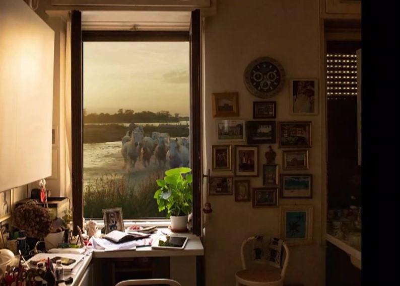 Another view, il mondo dalla finestra